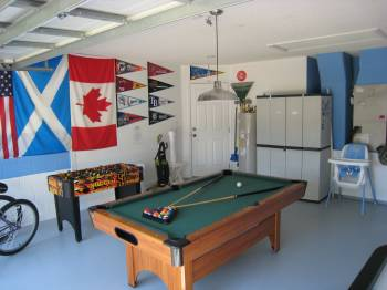 Fully equipped games room - with bikes, tennis racquets