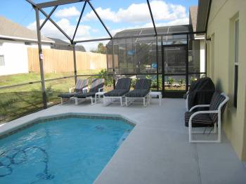 Pool deck, loungers & BBQ